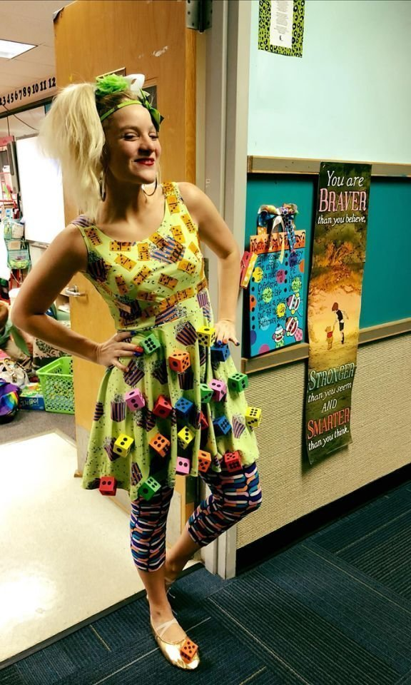 American Upbeat Creative Teacher Constructs Incredible Clothing As An Inspiring Way To Help Her Students Learn